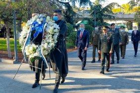 ესტონეთის თავდაცვის მინისტრმა გმირთა მემორიალი გვირგვინით შეამკო