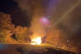 გომბორის უღელტეხილზე ავტომანქანას ცეცხლი გაუჩნდა
