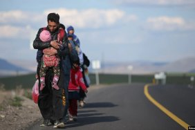 Turkey keeps Afghan refugees from entering the country