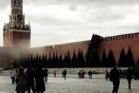 მოსკოვში ძლიერმა ქარმა კრემლის კედელს სახურავი ახადა